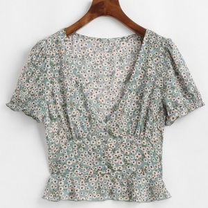 ZAFUL Ditsy Floral Short Sleeve Blouse (NEW)